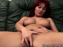 milf rødhårete onani store bryster solo