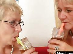 milf moden mamma kone barmfager lesbisk naturlige pupper hårete store bryster cougar